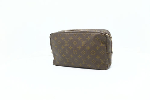 buy preloved authentic Louis Vuitton Trousse 28