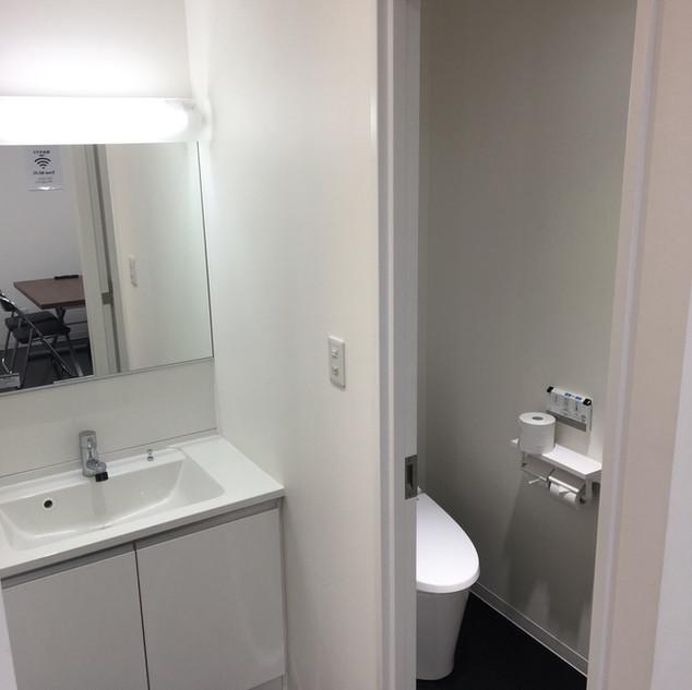 楽屋5トイレ