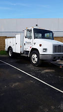 2000 FL60 FREIGHTLINER SERVICE TRUCK.jpg