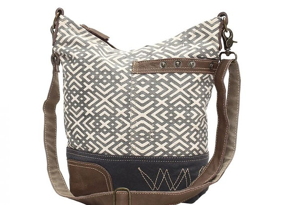 X DESIGN SHOULDER BAG