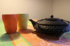 קנקן תה עם כוסות