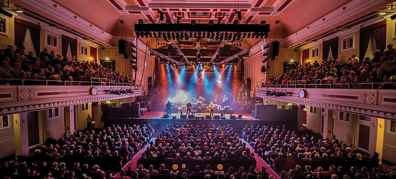 Newcastle-City-Hall-Lindisfarne-cr-Phil-