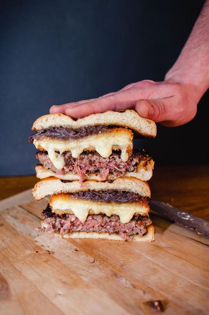 Camembert Burger