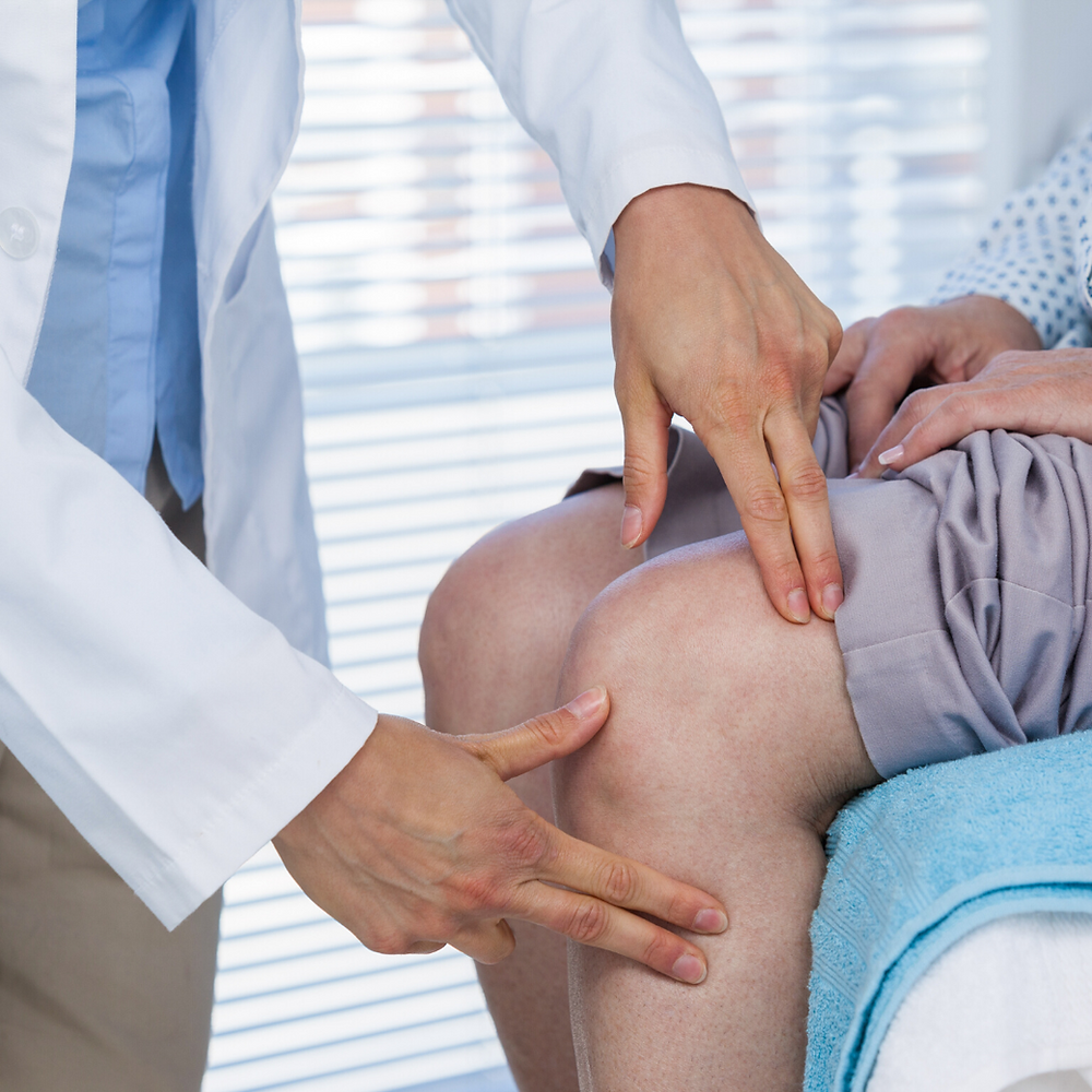 Physiotherapy Cracking Knee