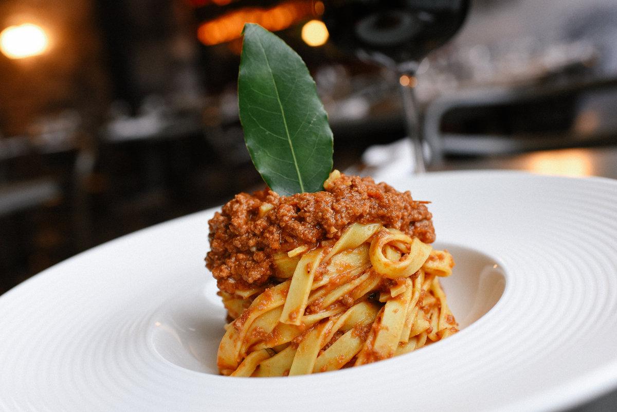 fresh_pasta_tagliatelle_bolognese.jpeg