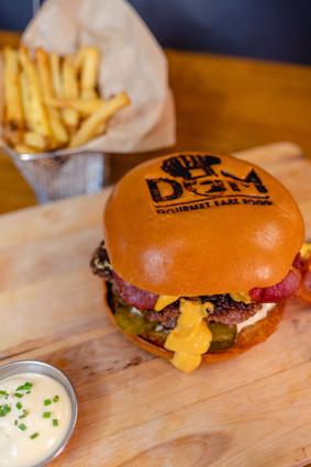 Le Cheddar Burger