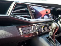 VW-T6.1-CARBON-DASH-DETAILING-INTERIOR.j