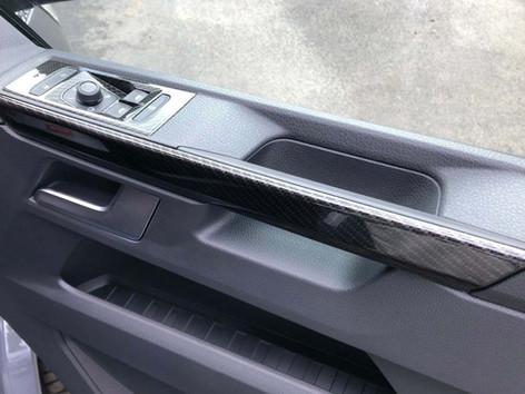 VW-TRANSPORTER-T6.1-DOOR-CARDS-CARBON-DE