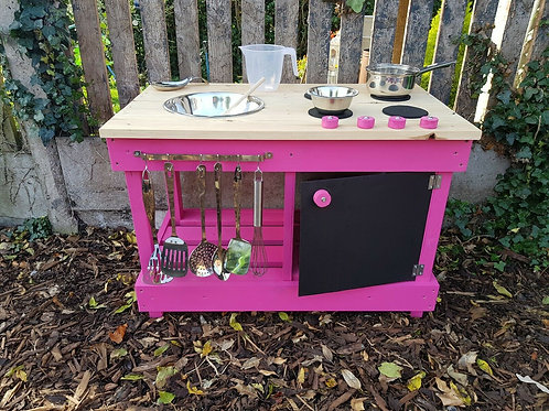Backless 90cm mud kitchen with built in 'oven'