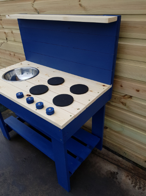 90cm single bowl mud kitchen with hobs and knobs