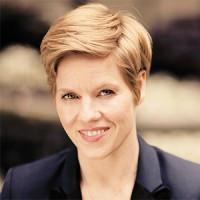 Bologna, riapre il teatro Manzoni con la violinista tedesca Isabelle Faust