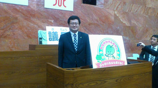 横浜市役所、神奈川県庁での視察を終えました