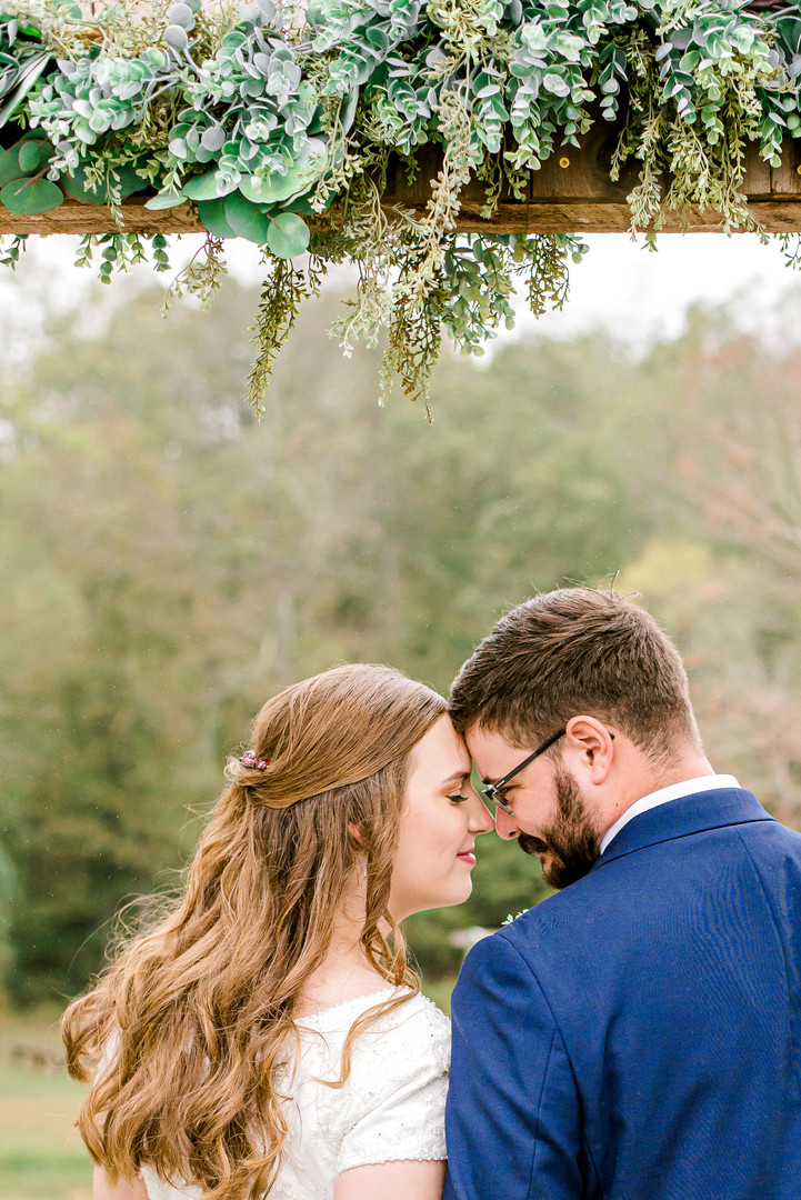 theroostatbutlerfarm_couplesportraits-34