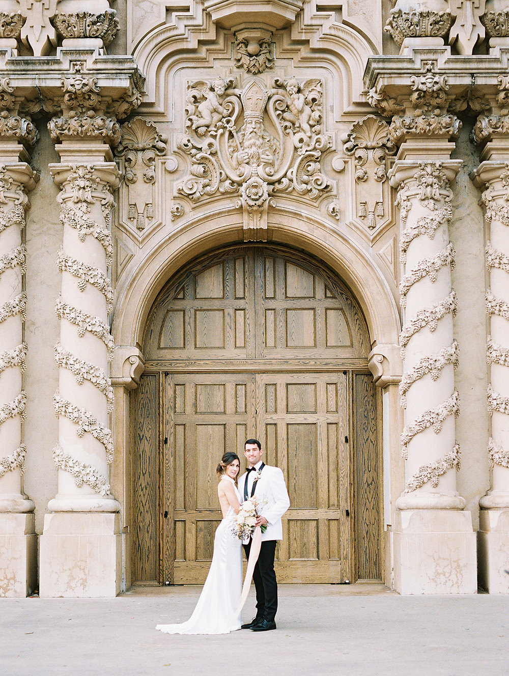 Elegant and classic 1920's inspired elopement at Balboa Park with a whimsical and neutral  bridal bouquet by San Diego Wedding Florist Le Champange Projects