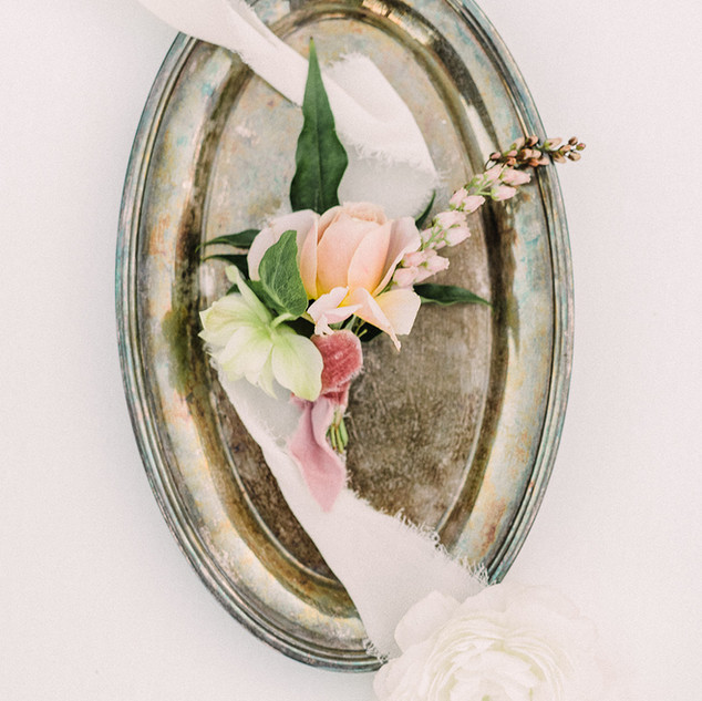 Beautiful Blush Fine Art boutonniere made by san diego floral designer Le Champagne Projects