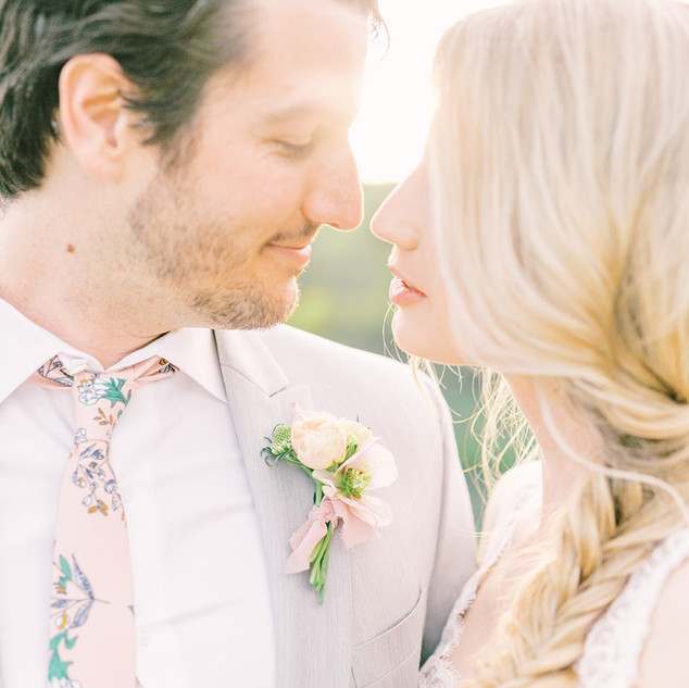 Spring time wedding in San Diego, California with gorgeous hellebore and ranunculus boutonniere by San Diego Wedding Florist Le Champage Projects