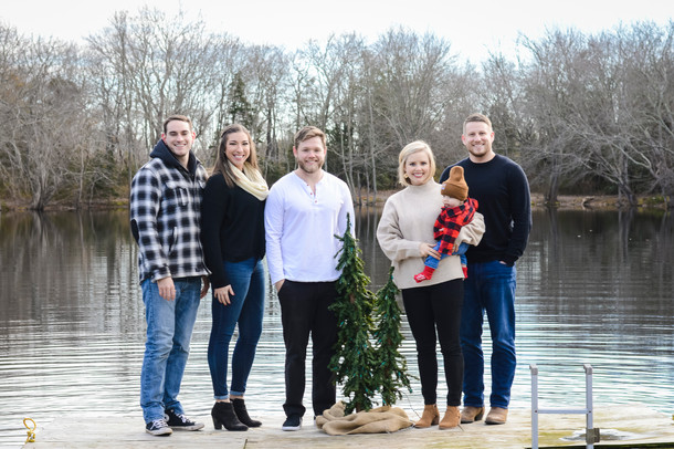 Family photography on the lake in December