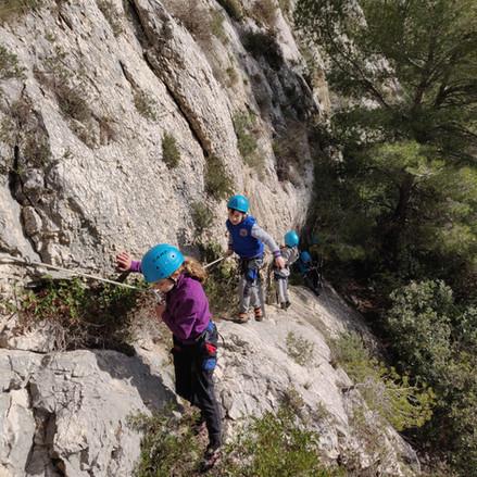 Que faire à moins de 10km? Un stage d'escalade sur Marseille, aux Calanques...?