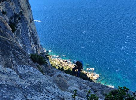 Via Cordata/Ferrata: Traversée Philémon, un parcours à corde magnifique au dessus de la mer