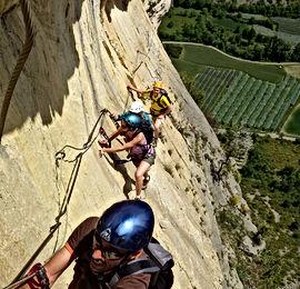 Via ferrata Calanques, Via ferrata Marseille, encadrement Via ferrata, guide pour via ferrata Calanques, parcours aux Calanques, Libertagrimpe