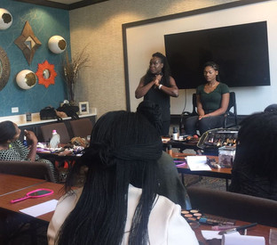 2017-06-17 Tailo demonstrating make up skills