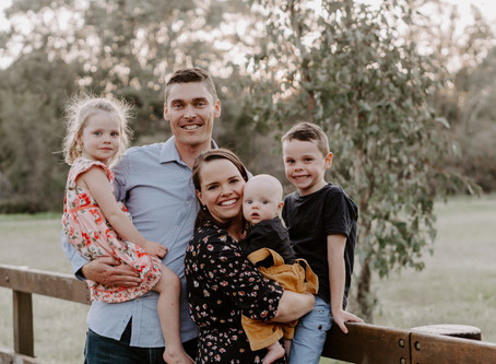 THE WAUGH FAMILY   Sweet Family Moments in Ferndale, Western Australia
