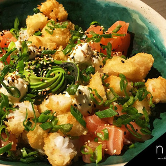 Noii sushi & wok usa vajilla Oritz para sus platos