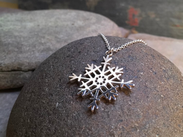 Snowflake Pendant solid Sterling Silver