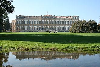 800px-Villa_Reale_di_Monza.jpg