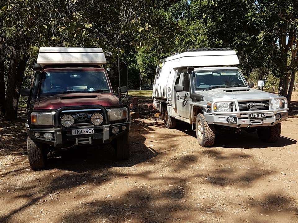 2 landcruisers with campers