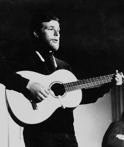 Edoardo in concerto al Folkstudio - 1970 - Foto Peppe D'Arvia