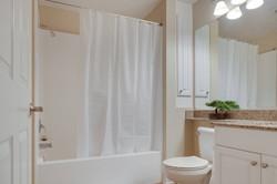 Villa Siena Bathroom