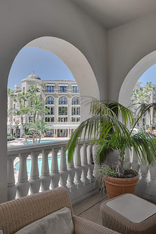 rexIRVINE Balcony Community Pool