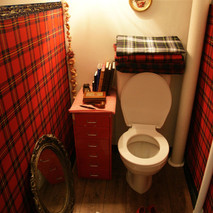 retreat toilette. 1