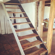 wallnut and glas stairs.