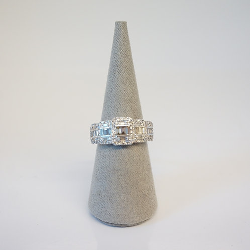 9ct White Gold Cluster Ring