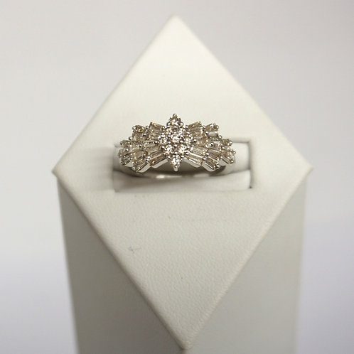 9ct White gold Diamond set Cluster ring  1.06ct