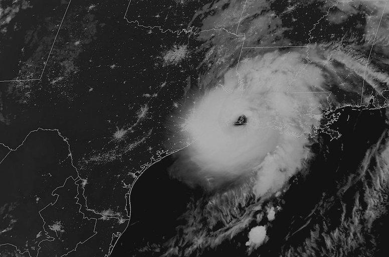 hurricane-laura-ngs_edited.jpg