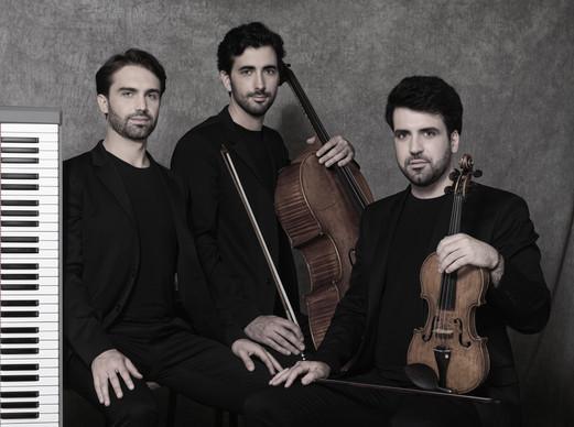 Trio-Zadig-7-HD-Bernard-Martinez-c.jpg