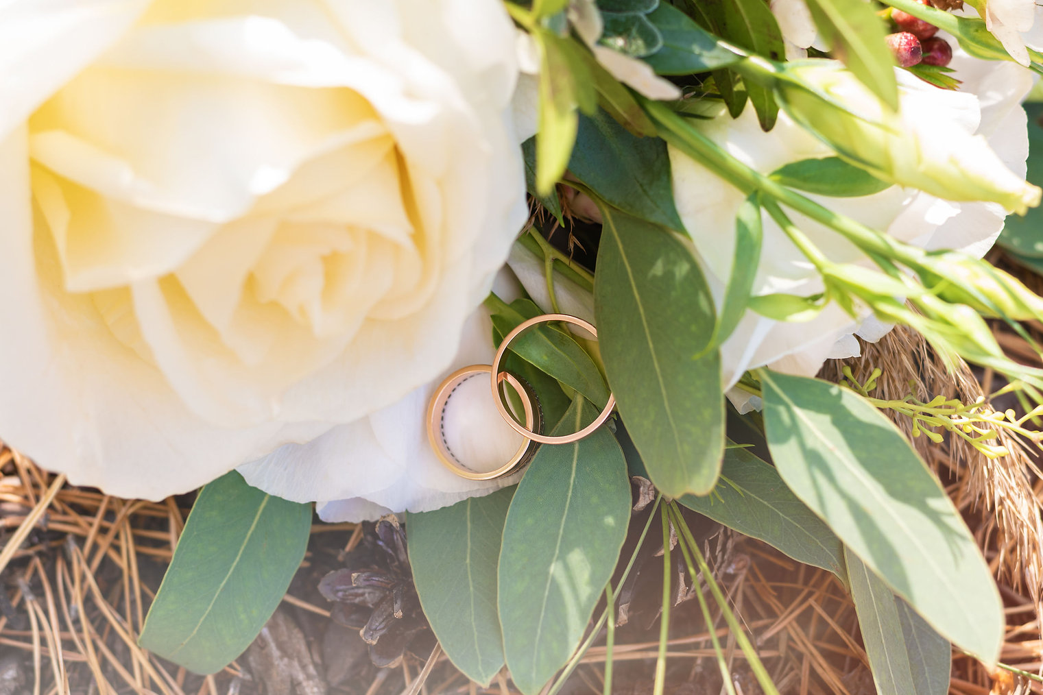 Rings with boquet.jpg
