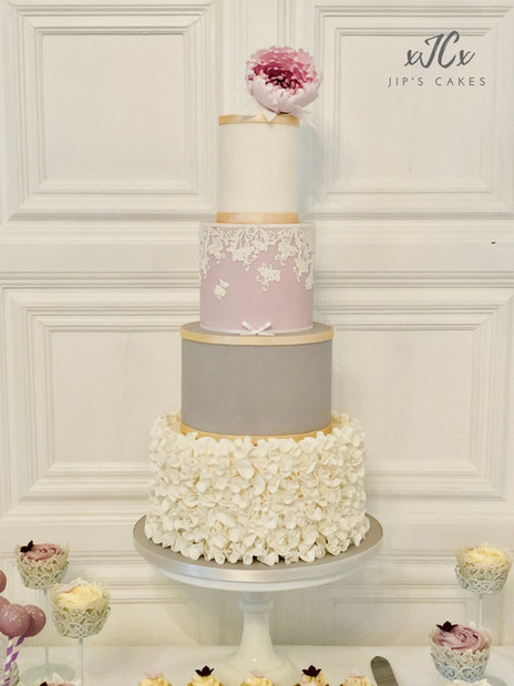 White, Grey and Lilac wedding cake | Jip's Cakes | Wedding cakes Suffolk | Wedding cakes Essex & Hertfordshire