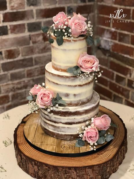 Semi-naked wedding cake with Lovelace roses | Jip's Cakes : wedding cakes Essex & Hertfordshire