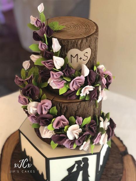 Trailing sweet pea flowers wedding cake | Jip's Cakes | Wedding cakes cambridge | Wedding cakes Essex & Hertfordshire