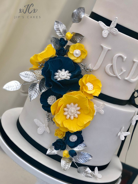 Navy and yellow colour theme wedding | Jip's Cakes | Wedding cakes Essex & Hertfordshire
