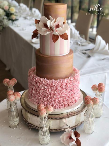 Magnolia and ruffles wedding cake | Jip's Cakes : wedding cakes Essex & Hertfordshire