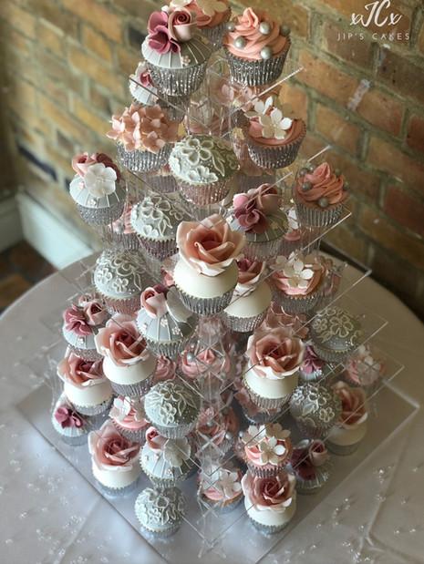 Vintage wedding cupcakes | Jip's Cakes : wedding cakes Essex & Hertfordshire