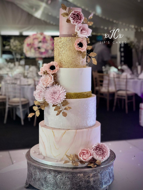 Pink and gold wedding cake | Jip's Cakes | Wedding cakes Essex & Hertfordshire