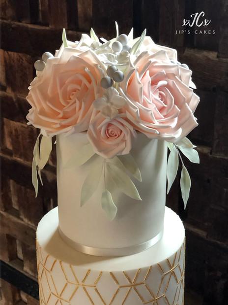 Metallic geometric wedding cake | Jip's cakes | Wedding cakes Essex & Hertfordshire