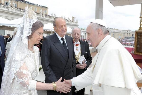 Королева София, король Испании Хуан Карлос I и Папа Римский Франциск I