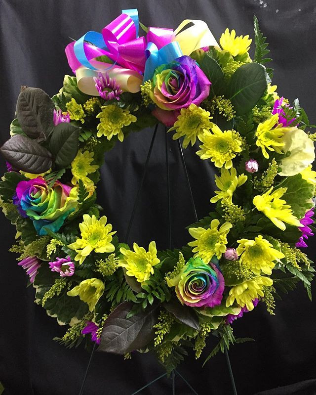 #sympathywreath #boxwrapsandflowers #sai